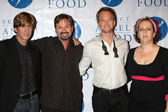 Howard Fine, Neil Patrick Harris, and Project Angel Food Staff — Stock Photo