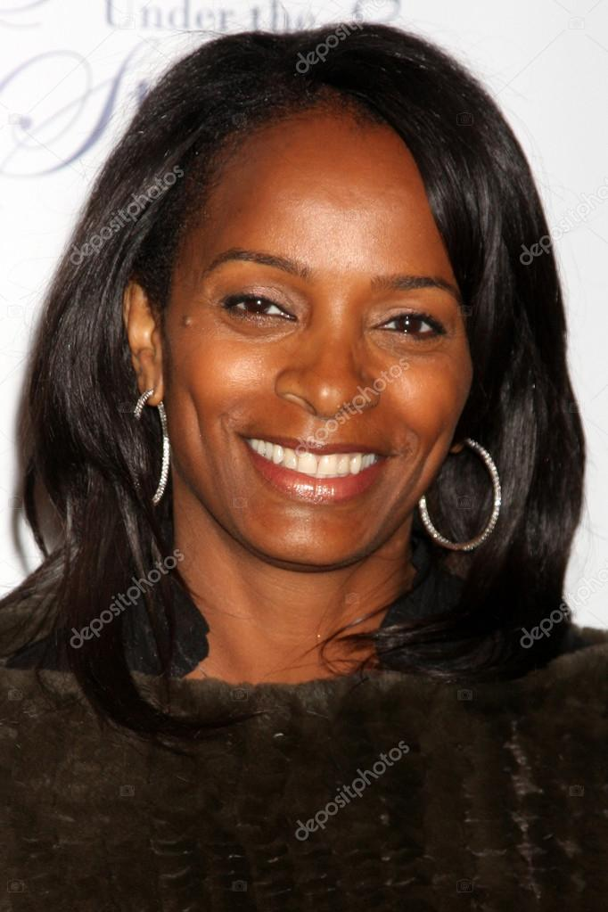 Vanessa Bell Calloway at the Special Needs Network Fourth Annual Evening Under the Stars at The Ebell in Los Angeles, CA on October 11, 2009  Stock Photo #13033073