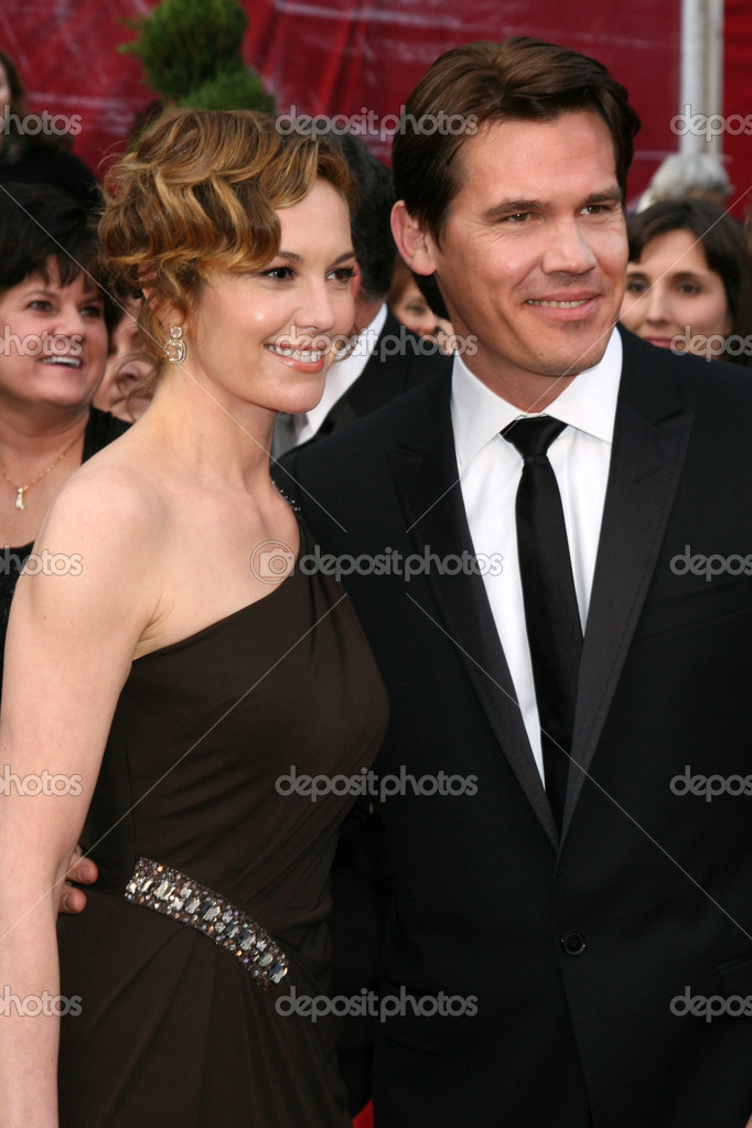Diane Lane and Josh Brolin at the 80th Academy Awards (Oscars) at Kodak Theater in Los Angeles, CA on February 24, 2008 — Stock Photo #13036895
