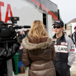 ������, ������: Extra Interviewing Kevin Jonas