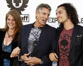 Eric Roberts, wife Eliza, stepson Keaton Simmons — Stock Photo