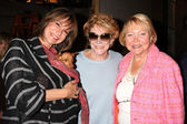 Jess Walton, Her dog, Jeanne Cooper, Lee Bell — Photo