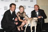 Michael Vartan, Kristen Bell, Nubs and Major Brian Dennis — Stock Photo
