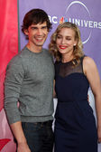 Christopher Gorham & Piper Perabo — Stock Photo