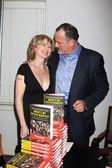 Beth Broderick & Howard Bragman — Stock Photo