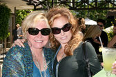 Patty Weaver, Tracey Bregman — Stock Photo
