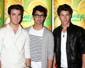 Kevin Jonas, Joe Jonas, Nick Jonas — Stock Photo