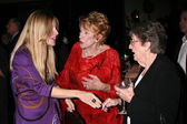 Lauralee Bell, Jeanne Cooper & Her sister Evelyn — Stock Photo