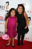 Daniella Baltodano y Madison De La Garza — Foto de Stock