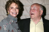 Mary Tyler Moore, Ed Asner — Stock Photo