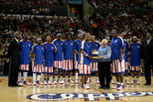 Tommy Lasorda & Harlem Globetrotters — Stock Photo