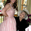 Jennifer Love Hewitt and her Grandma Charlotte Shipp — Stock Photo