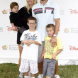 Joshua Morrow & Family — Stock Photo