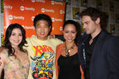 Grace Phipps, Ki Hong Lee, Alyssa Diaz, Grey Damon — Stock Photo