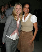 Lauralee Bell and Victoria Rowell — Stock Photo