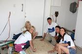 Kelly Duncan, Amy Bean, Habitat Volunteer, Estella Gardinier, Susan Coolidge — Stock Photo