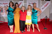Sigourney Weaver, Odette Yustman, Betty White, Kristen Bell, Jamie Lee Curtis — Stock Photo