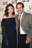 Debra Messing & Tony Shalhoub — Stock Photo