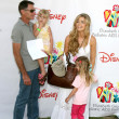 ������, ������: Denise Richards father and her daughters