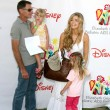Постер, плакат: Denise Richards father and her daughters