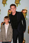 Jesse McCartney & Brother — Stock Photo