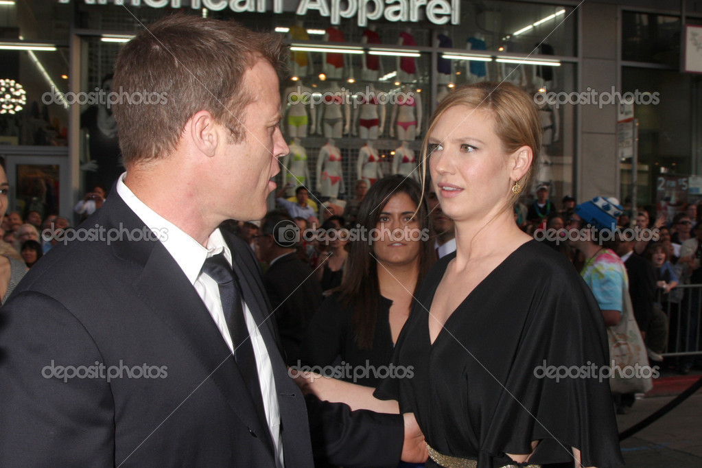 Anna Torv and Mark Valley - Stock Editorial PhotographyAnna Torv And Mark Valley