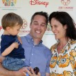 Annabeth Gish & husband and son — Stock Photo