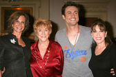 Jess Walton, Jeanne Cooper, Daniel Goddard, and Kate Linder — Stock Photo
