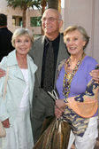 Patty & Gavin MacLeod & Cloris Leachman — Stock Photo