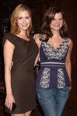 Ashley Jones & Heather Tom — Stock Photo