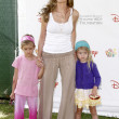 ������, ������: Denise Richards & Daughters
