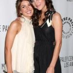 ������, ������: Shenae Grimes & Jessica Stroup
