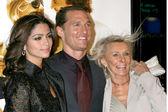 Matthew McConaughey, girlfriend Camila Alves, and mother Kay — Stock Photo