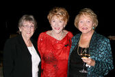 Jeanne's sister Evelyn, Jeanne Cooper & Lee Bell — Stock Photo