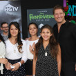 Sean Kanan with wife, Stepdaughters and daughter — Stock Photo