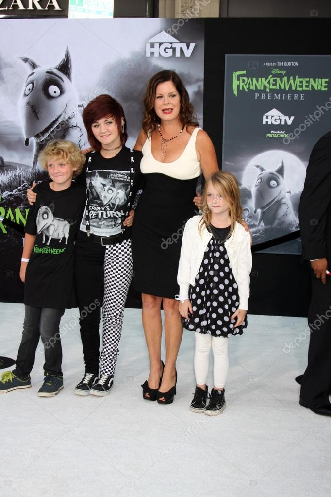 "Hudson Scheel, Marcia Gay Harden, Eulala Scheel and Julitta Scheel arrives at the ""Frankenweenie"" Premiere at El Capitan Theater on September 24, 2012 in Los Angeles, CA — Stock Photo #13244789"