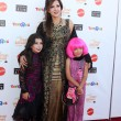 Maria Canals-Barrera with daughters Bridget Barrera and Madeleine Barrera — Stockfoto