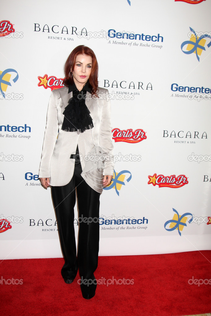 LOS ANGELES - NOV 16: Priscilla Presley arrives for the 11th Annual Celebration of Dreams at Bacara Resort & Spa on November 16, 2012 in Santa Barbara, CA.  — Stock Photo #15187021