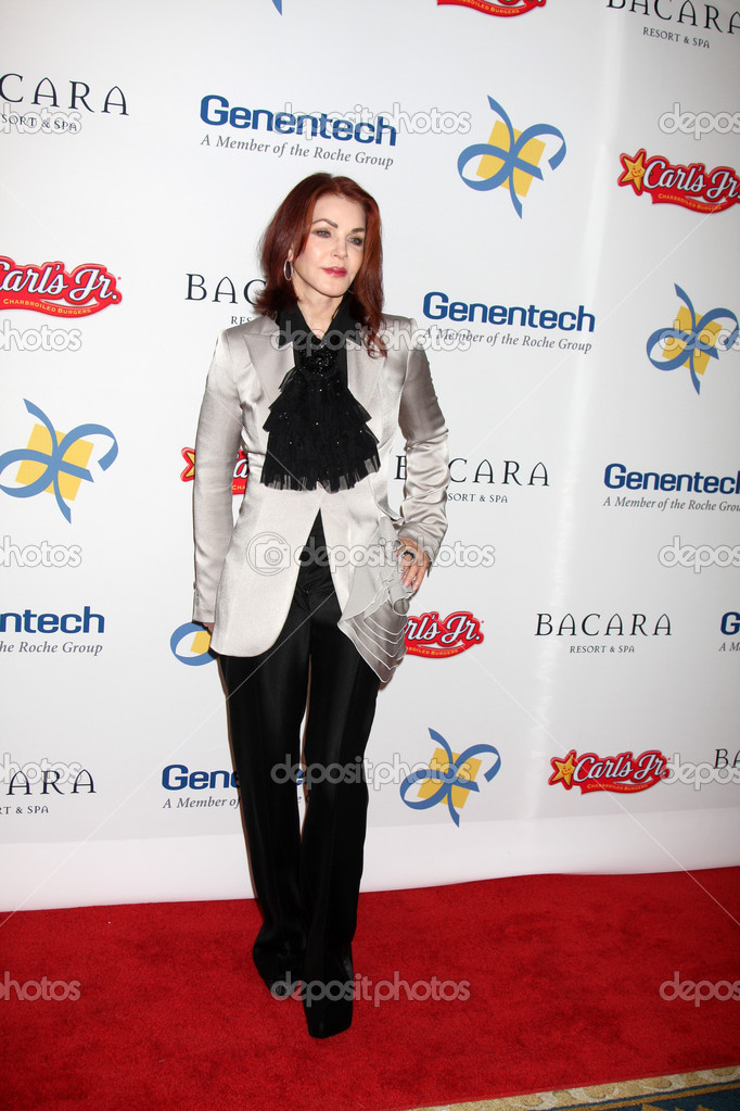 LOS ANGELES - NOV 16: Priscilla Presley arrives for the 11th Annual Celebration of Dreams at Bacara Resort & Spa on November 16, 2012 in Santa Barbara, CA.  — Stock Photo #15187077