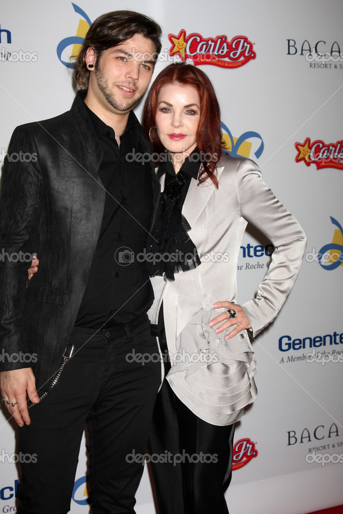 LOS ANGELES - NOV 16: Navarone Garibaldi, Priscilla Presley arrives for the 11th Annual Celebration of Dreams at Bacara Resort & Spa on November 16, 2012 in Santa Barbara, CA. — Stock Photo #15187461