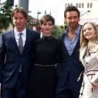 Постер, плакат: Tom Hooper Anne Hathaway Hugh Jackman Amanda Seyfried