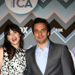 Zooey Deshanel, Jake Johnson — ストック写真