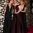 Allison Williams, LenDunham, ZosiMamet — Stockfoto #18726443