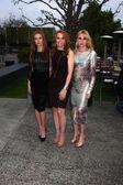 Zoey Deutch, Lea Thompson, Madelyn Deutch — Stock Photo