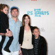 Michael Muhney, with daughter Ella, Wife Jamie, and son Dylan — Stock Photo