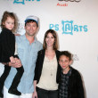 Постер, плакат: Michael Muhney with daughter Ella Wife Jamie and son Dylan