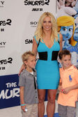 Britney Spears, sons Jayden, Sean — Stock Photo