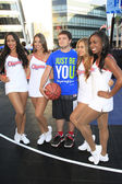 Clippers girls, Josh Hutcherson — Stock Photo