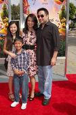 Michaela Zee, Cooper Dominic Zee, Ming-Na Wen, Eric Michael Zee — Stock Photo