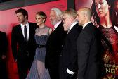 Liam Hemsworth, Jennifer Lawrence, Donald Sutherland, Josh Hutcherson, Phillip Seymour Hoffman, Stanley Tucci — Stock Photo
